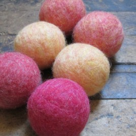 Wildflowers – Set of 6 Wool dryer balls